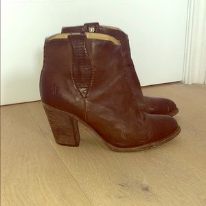 Frye Ilana whipstitch ankle bootie 6.5